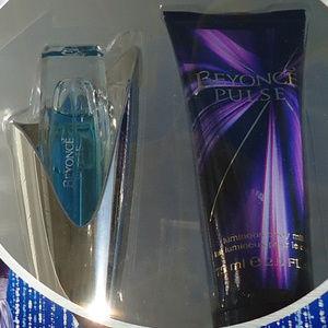 coty Makeup - Pulse Gift set 0.5 fl oz spray and 2.5fl oz